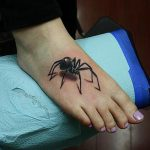 3d-insect-tattoo-on-right-foot