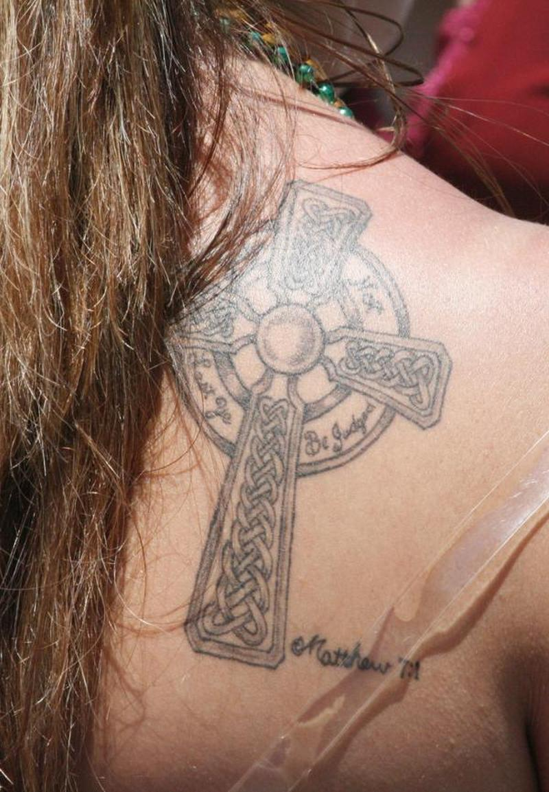 celtic cross for women 2 tattoo tattoos book tattoos designs. Black Bedroom Furniture Sets. Home Design Ideas