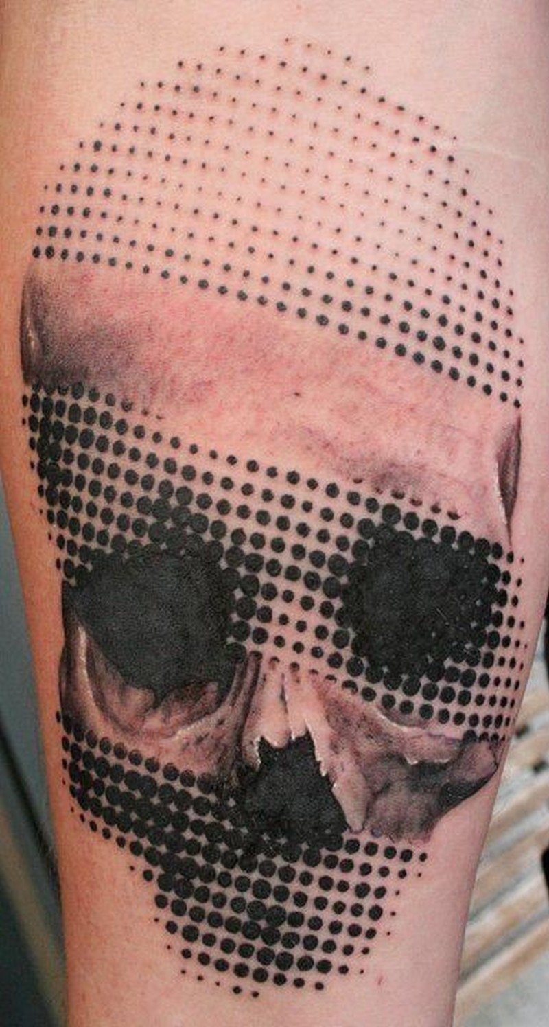 Amasing lovely halftone skull tattoo
