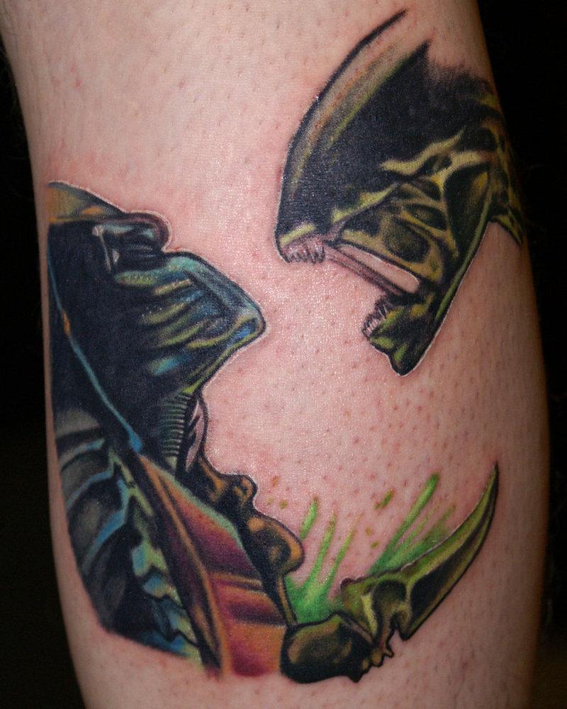 Amazing alien vs predator tattoo design - Tattoos Book