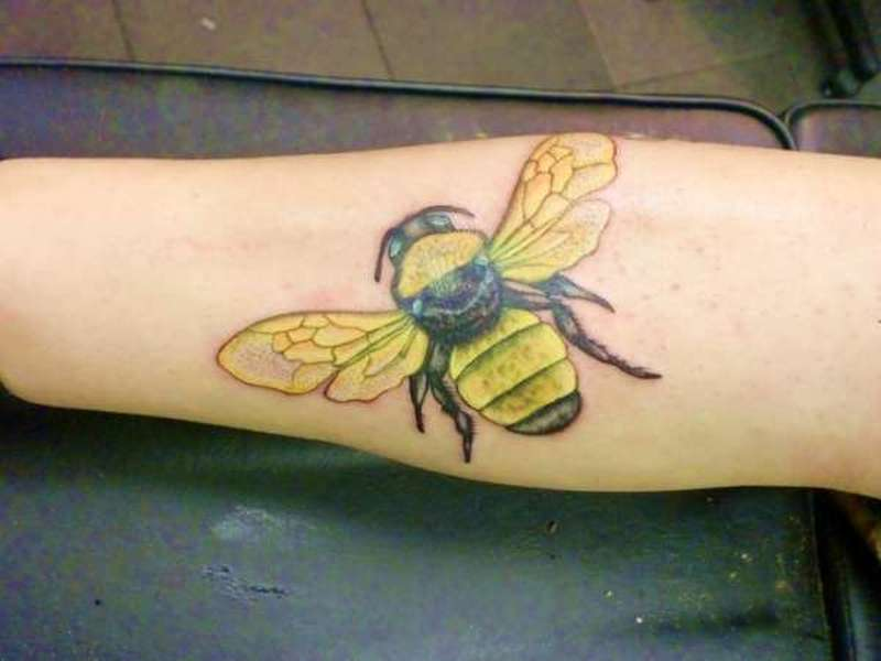 Amazing bumblebee insect tattoo design