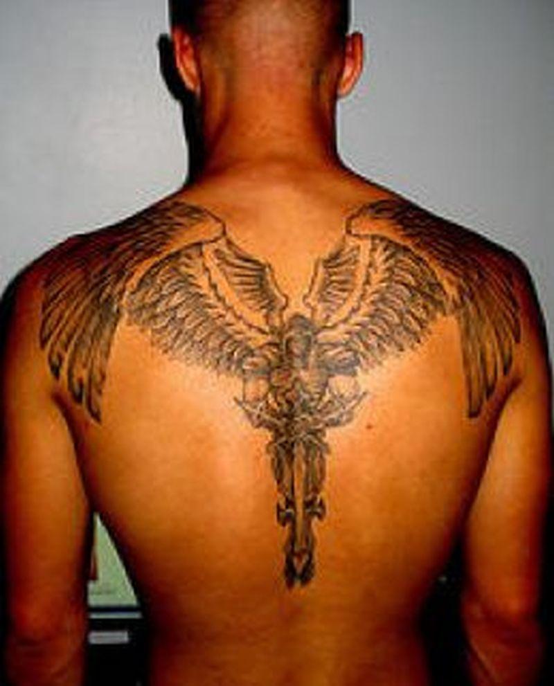 Тату архангела с крыльями