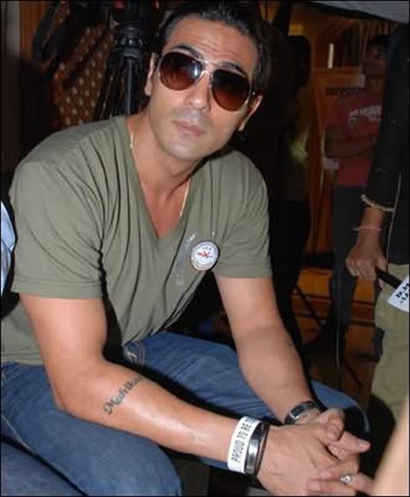 Arjun rampal daughter name tattoo on forearm tattoos for Daughter name tattoo ideas