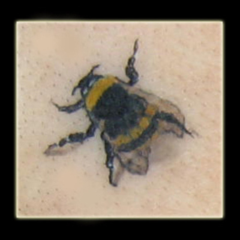 Awesome bumblebee tattoo picture