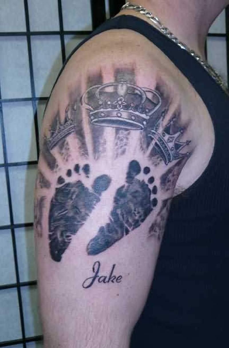 42082b188ca15 Baby footprints tattoo on shoulder - Tattoos Book - 65.000 Tattoos ...