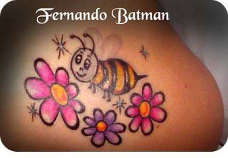 bee with flowers tattoo design tattoos book tattoos designs. Black Bedroom Furniture Sets. Home Design Ideas