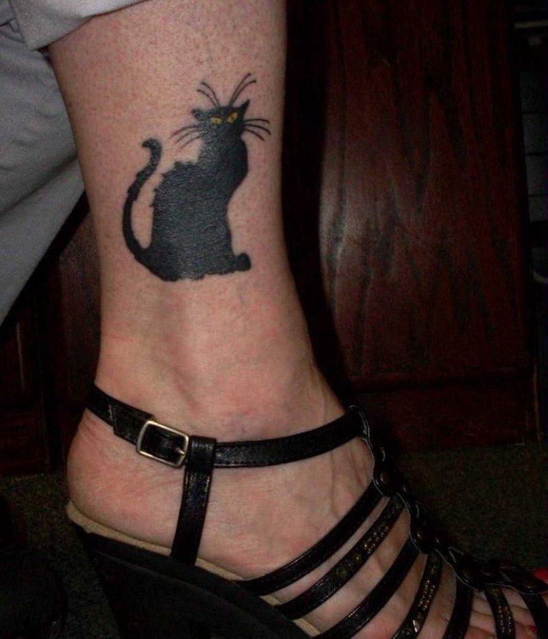 Black cat tattoo on ankle 2