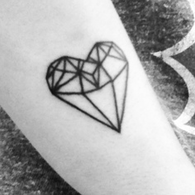 Black n white heart diamond tattoo design