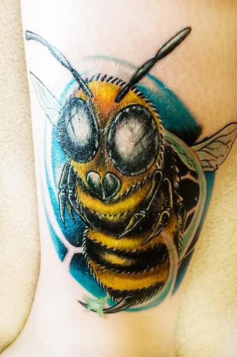 Bumblebee tattoo photo