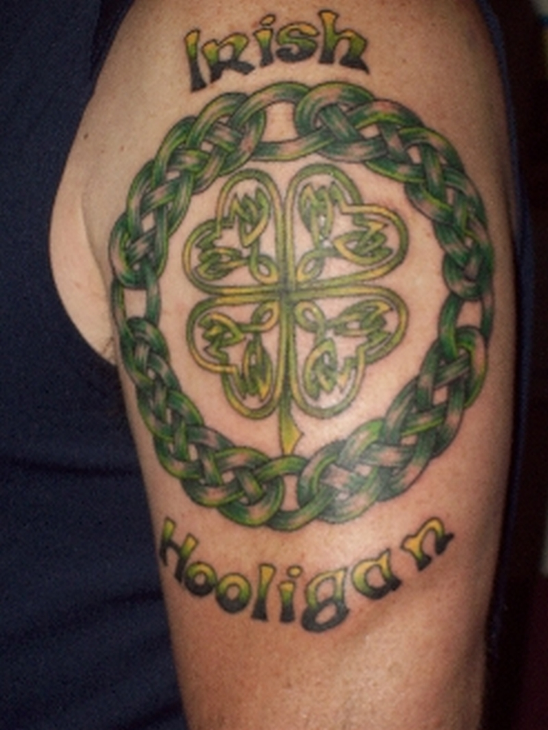 Celtic circle tattoo on shoulder 2