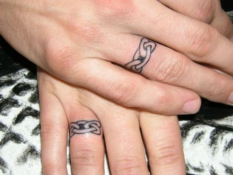 Celtic ring finger tattoo design