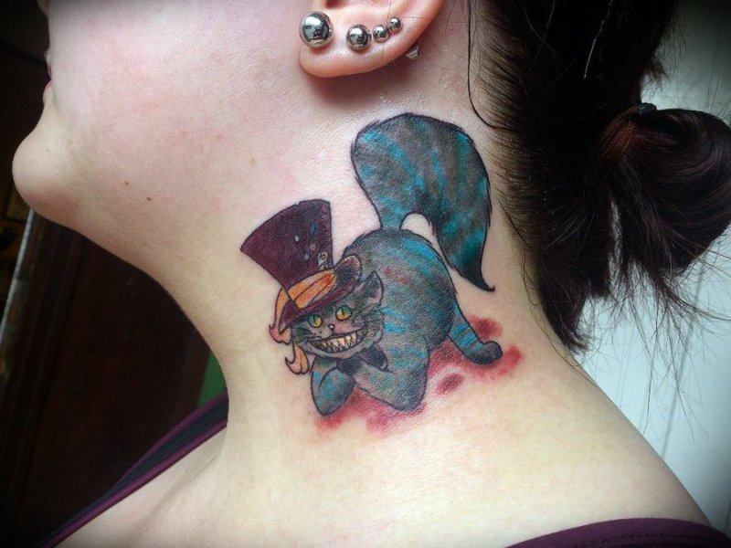 caa07abf306ae Cheshire cat colored tattoo on her neck - Tattoos Book - 65.000 ...