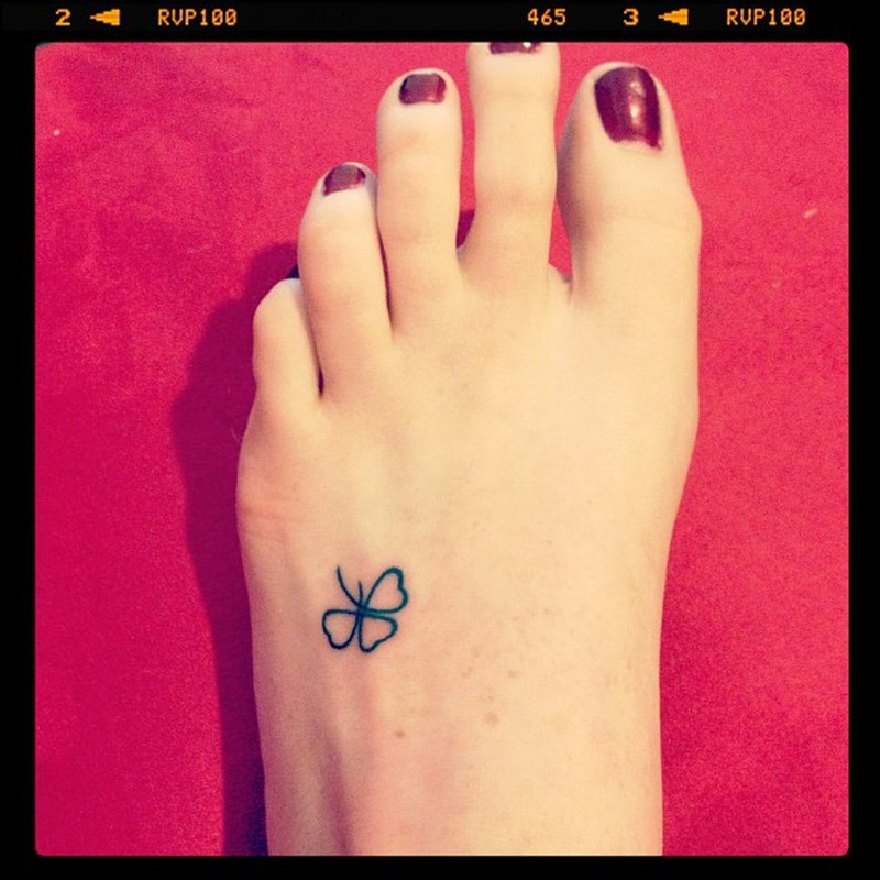 Clover foot tattoo image