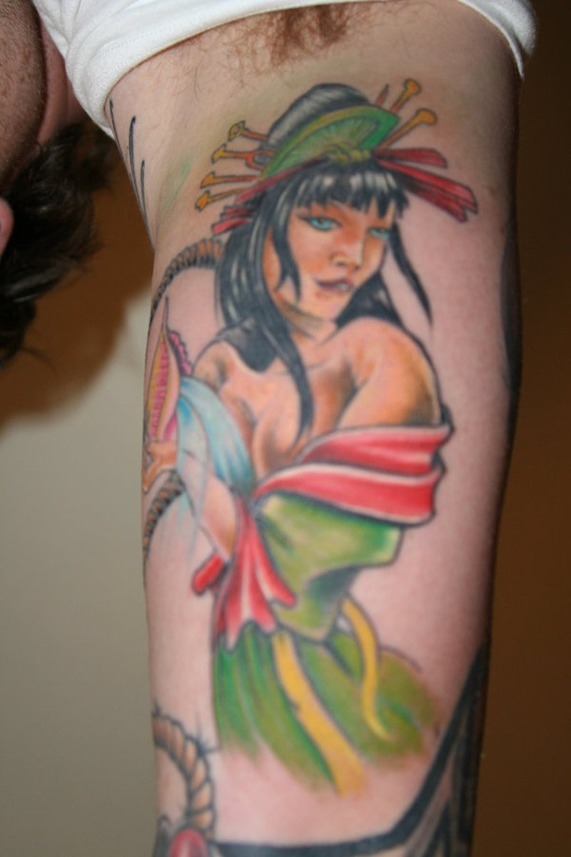 Color ink geisha tattoo design on muscles
