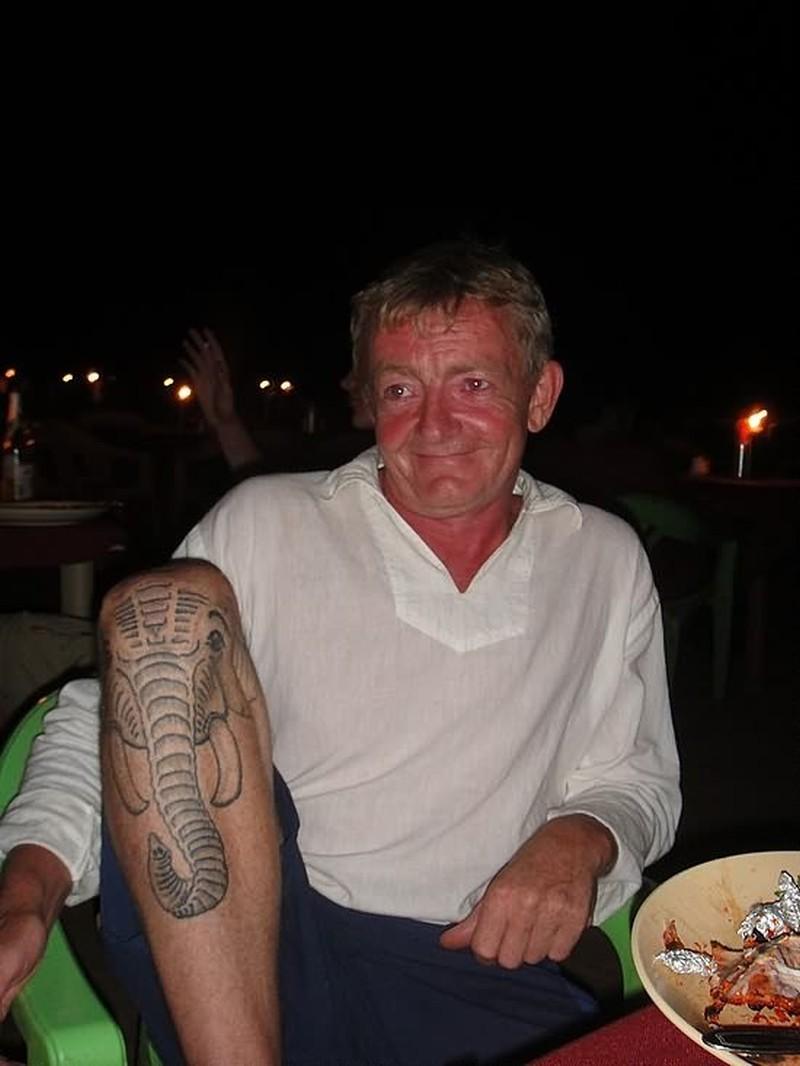 Cool elephant tattoo on knee