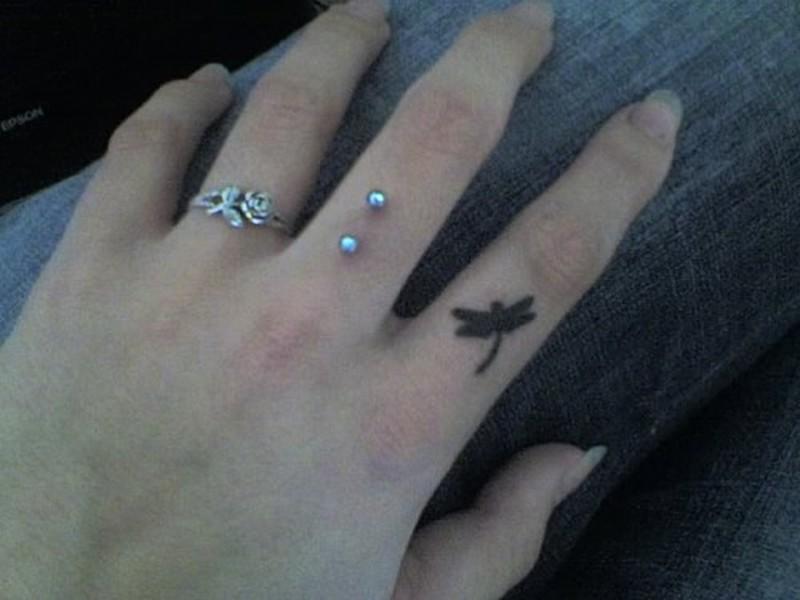 Cool finger tattoo design 2