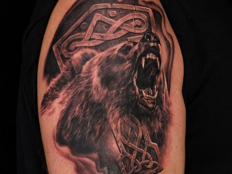 Фото тату медведя с оскалом