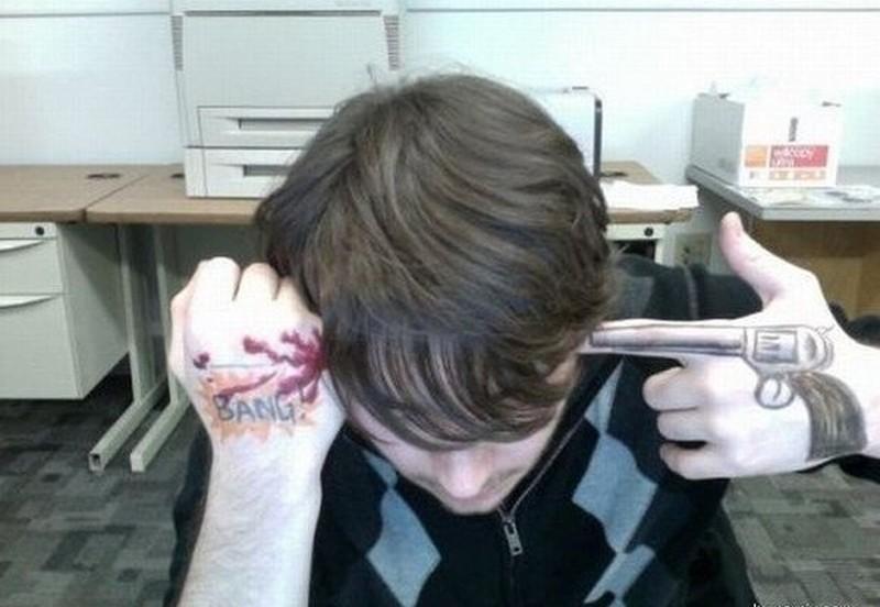 ee9fe8cd04950 Creative gun tattoo on hand - Tattoos Book - 65.000 Tattoos Designs