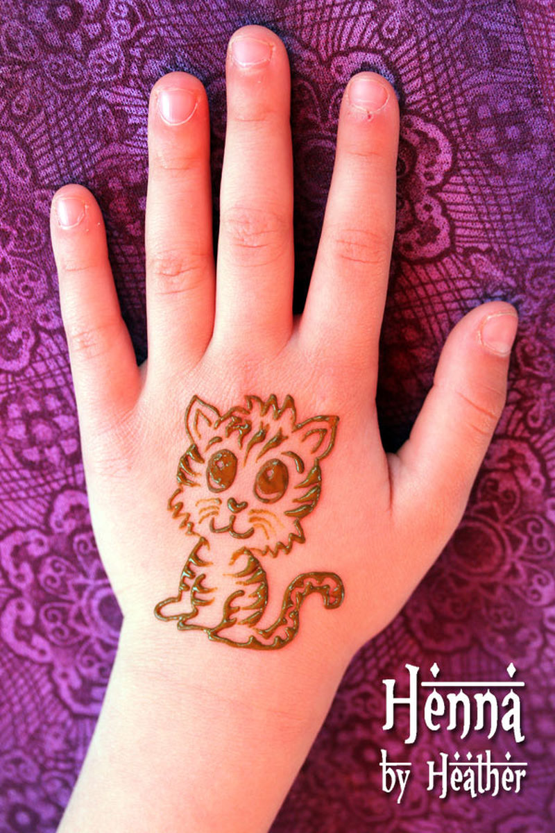 cute baby tiger henna tattoo on hand tattoos book 65. Black Bedroom Furniture Sets. Home Design Ideas