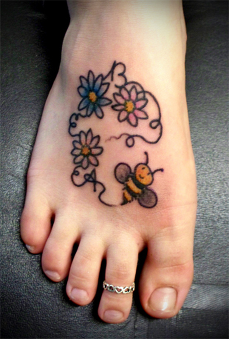 Cute bee flowers tattoo design