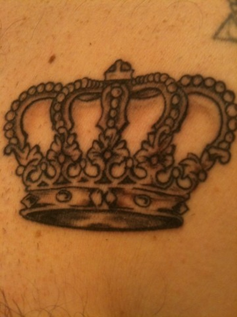 Cute crown tattoo with nice patterns