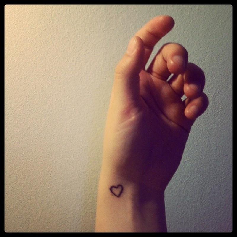 fc6a85a86 Cute heart tattoo on wrist 3 - Tattoos Book - 65.000 Tattoos Designs