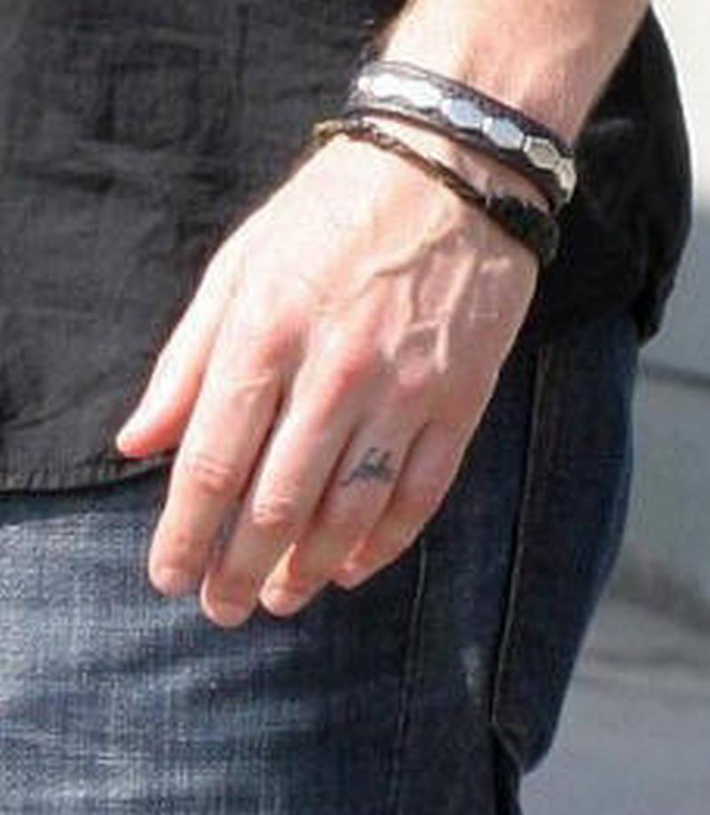 David duchovny ring finger design tattoo - Tattoos Book - 65.000 ...
