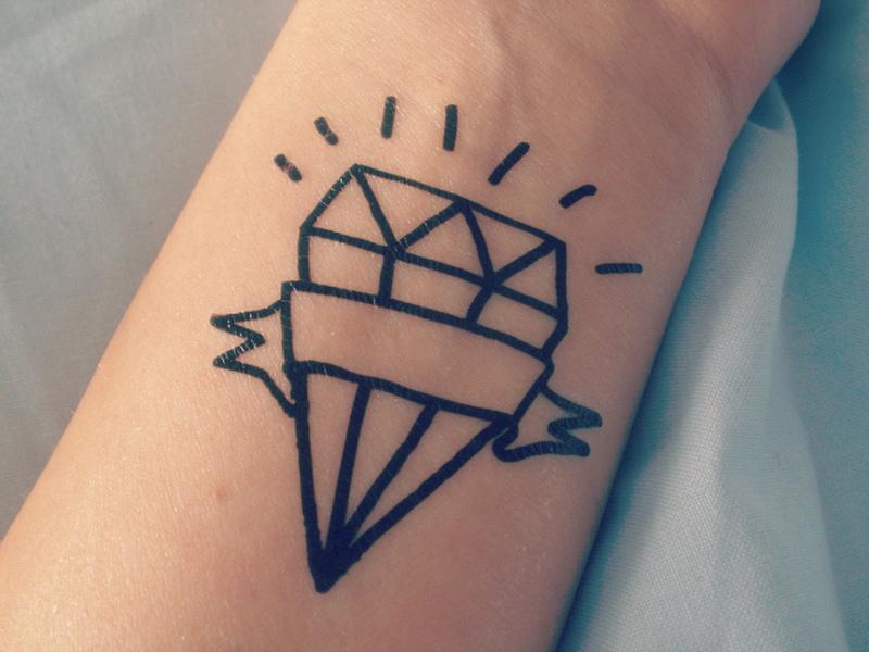 Diamond outline tattoo on wrist 2 - Tattoos Book - 65.000 ...