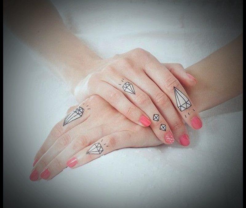 Diamond tattoo designs on fingers