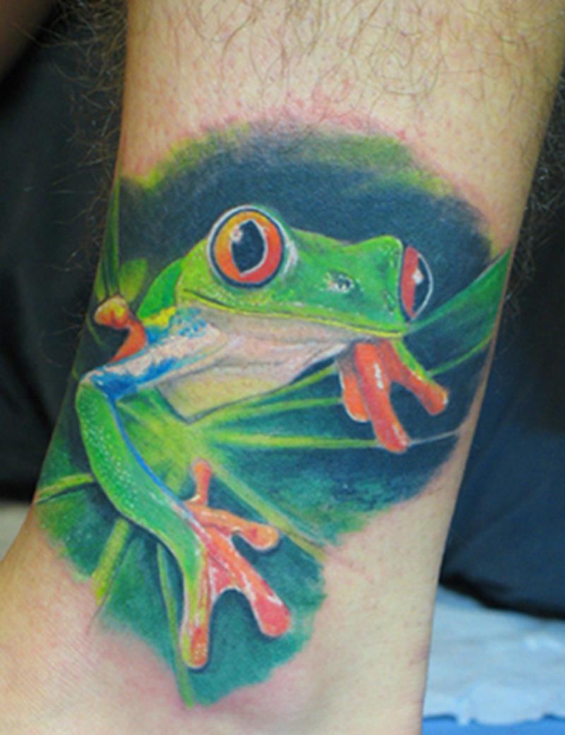 Elegant frog tattoo design