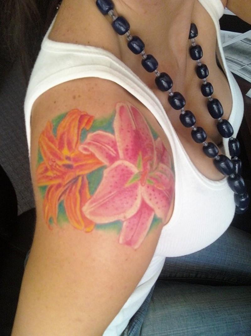feminine flowers tattoo design for shoulder tattoos book. Black Bedroom Furniture Sets. Home Design Ideas
