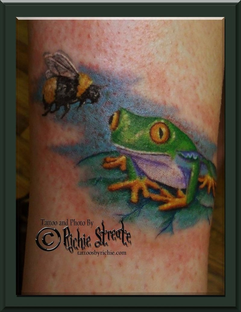 Frog bee tattoo design