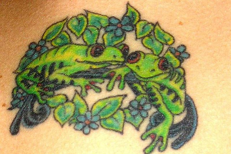 Frog love tattoo design