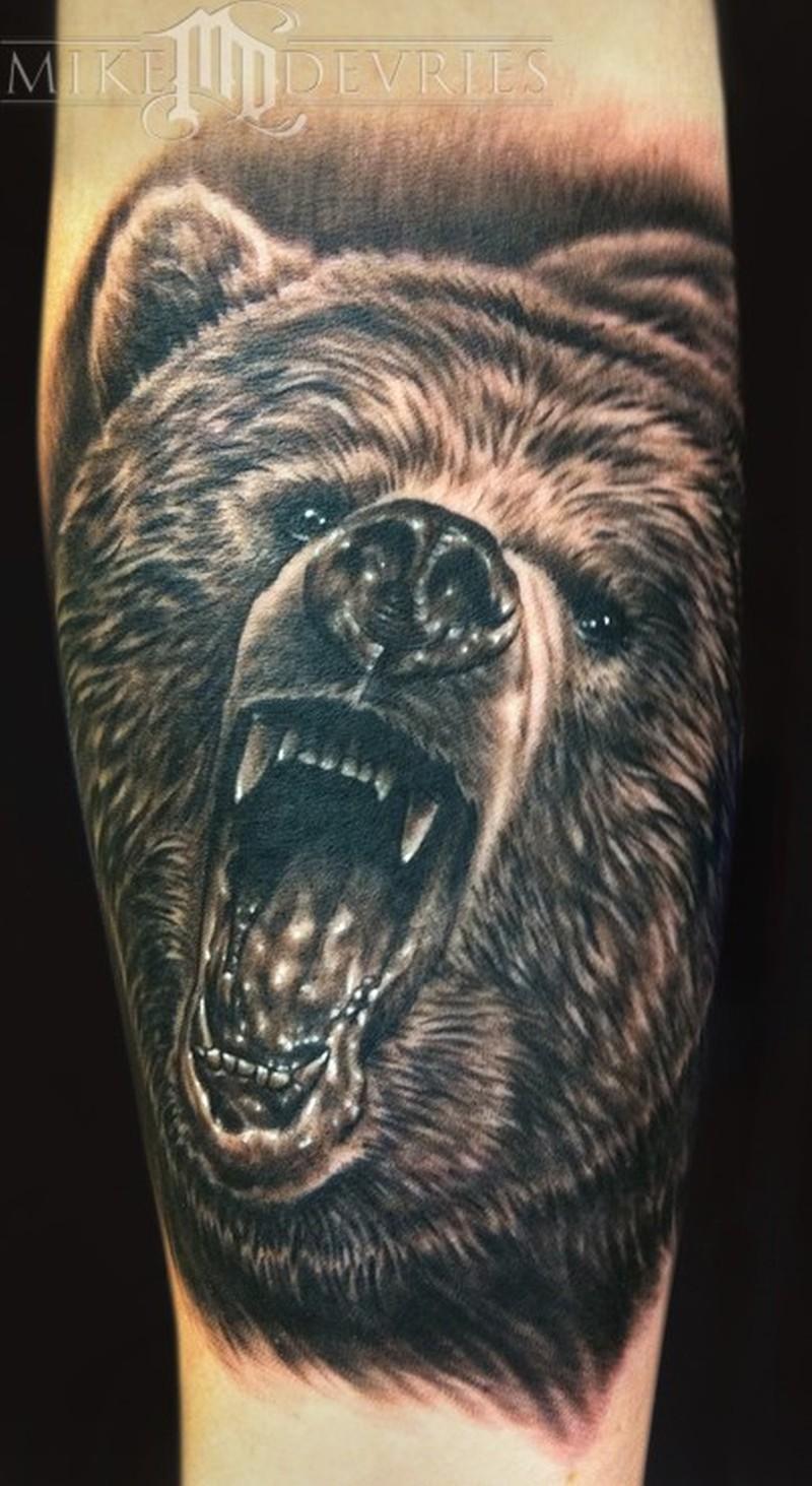 Тату на медведя на руке мужские