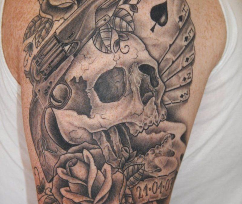 Gun n skull horror tattoo design