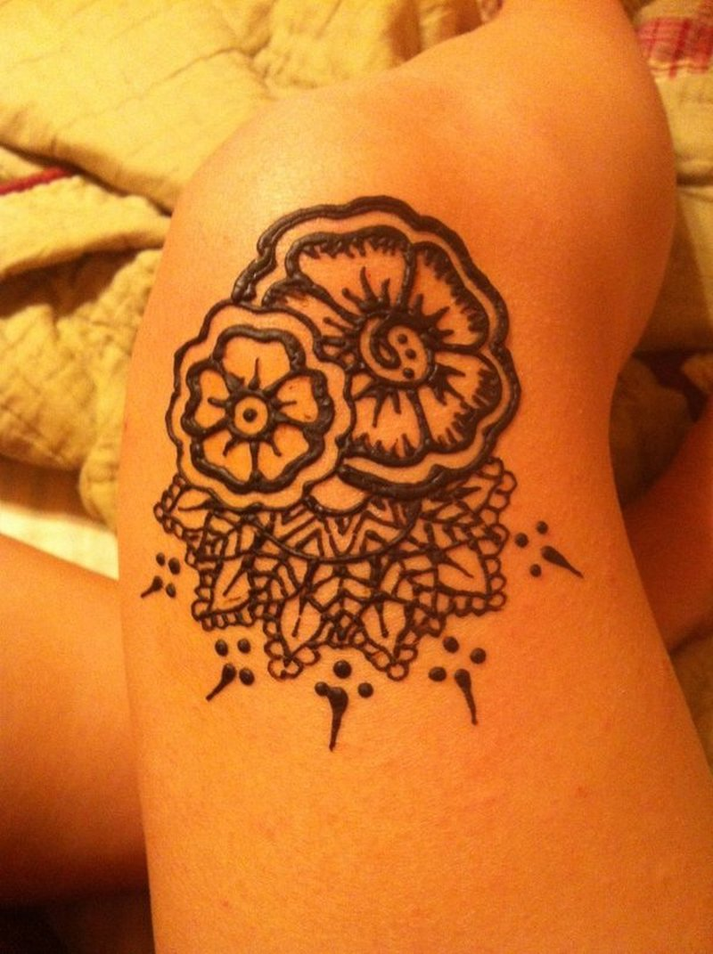 Henna knee tattoo for girls