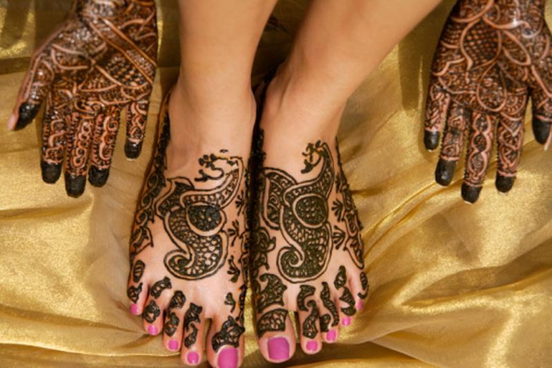 Henna tattoo designs on hands n feet