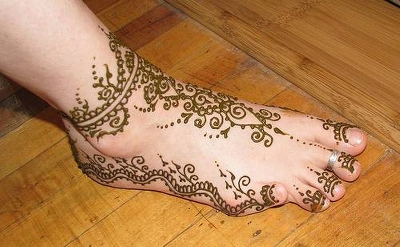 Henna tattoo designs on right foot