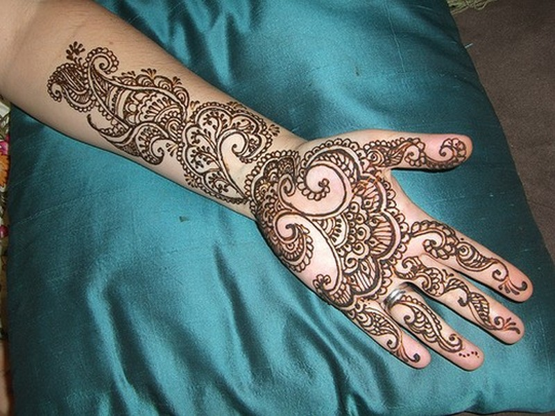 Henna tattoo picture