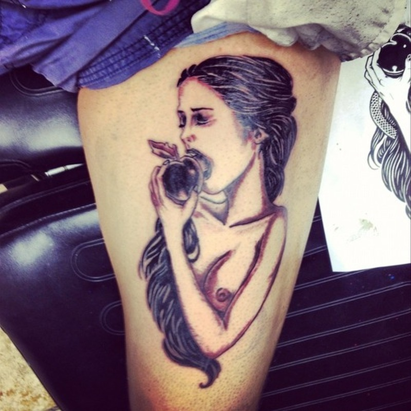 Lady eating apple design on thigh tattoo tattoos book for Apple design book