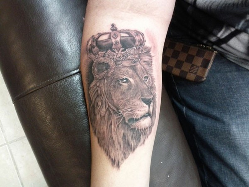 6c57260ed6e3d Lion in royal crown forearm tattoo - Tattoos Book - 65.000 Tattoos ...