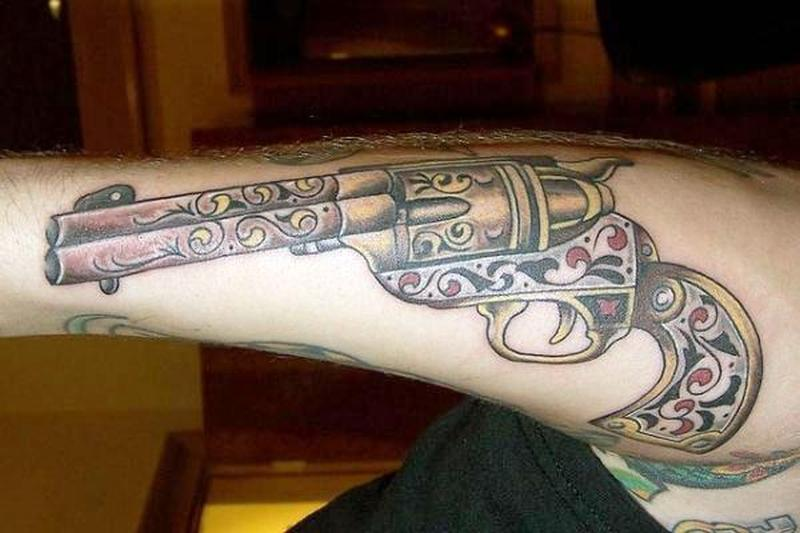 old school gun tattoo design tattoos book tattoos designs. Black Bedroom Furniture Sets. Home Design Ideas