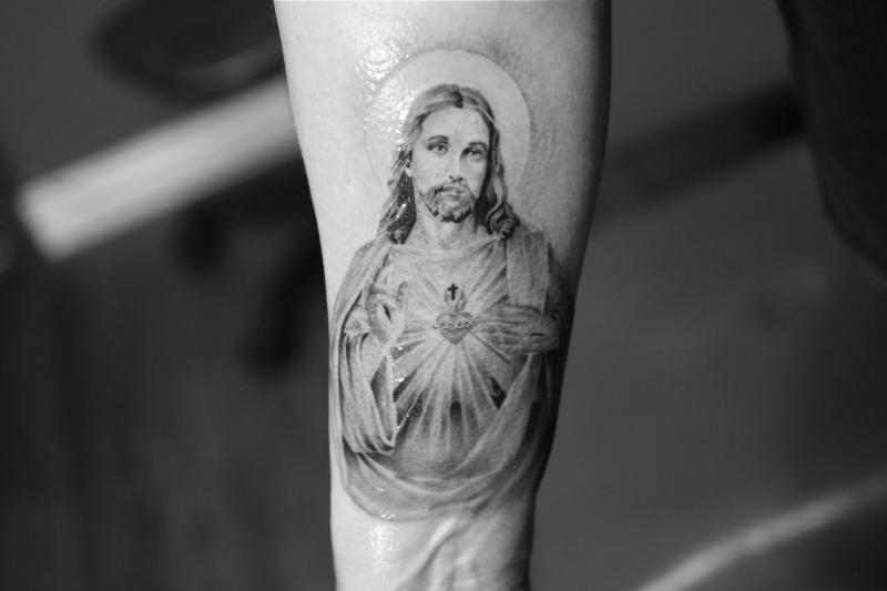 Shining jesus tattoo design