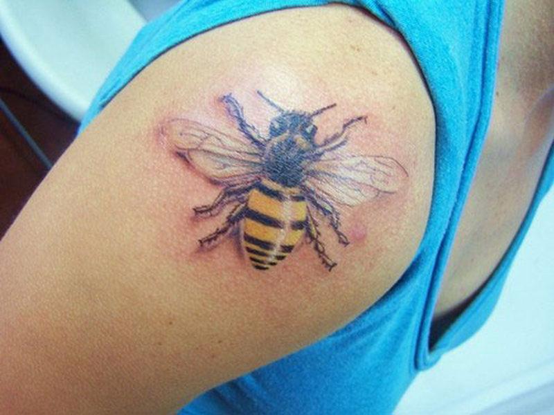 Shoulder bumblebee tattoo design