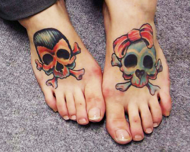 Skull couple tattoo design for feet