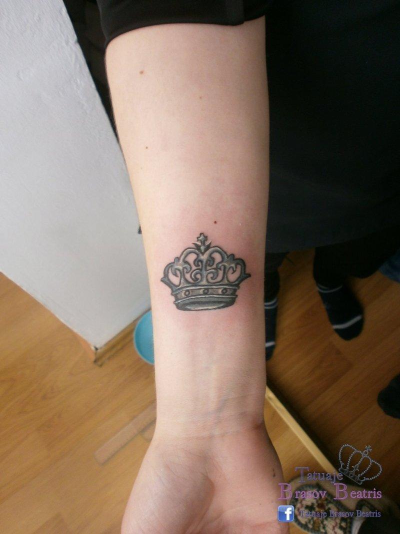 012076bd60a54 Small crown tattoo near wrist - Tattoos Book - 65.000 Tattoos Designs