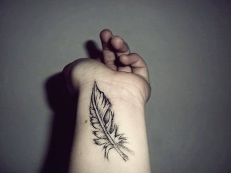 4ab32aecd Small feather tattoo on wrist - Tattoos Book - 65.000 Tattoos Designs