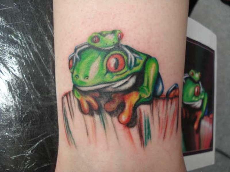 Superb tree frog tattoo design