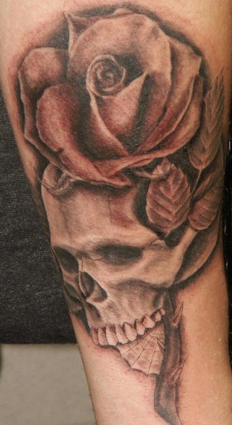 Tattoo roseandskulltattoo