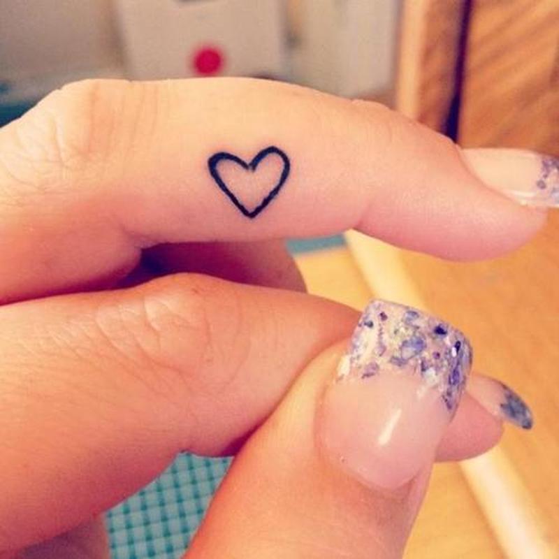 3b0d4ebf7f27b Tiny heart tattoo on finger 2 - Tattoos Book - 65.000 Tattoos Designs